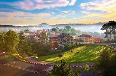 Vẻ đẹp huyền ảo hiện ra sau làn sương mù.