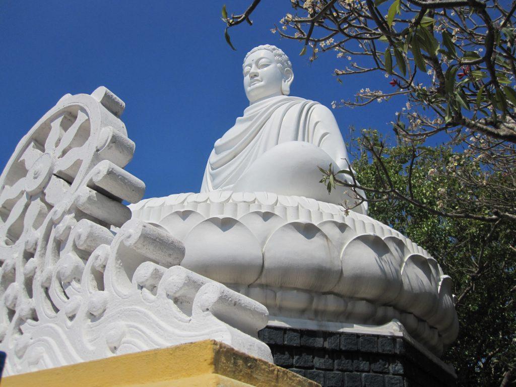 Vũng Tàu còn được biết đến là một trong những điểm dừng chân của Phật Tử từ mọi miền tổ quốc.