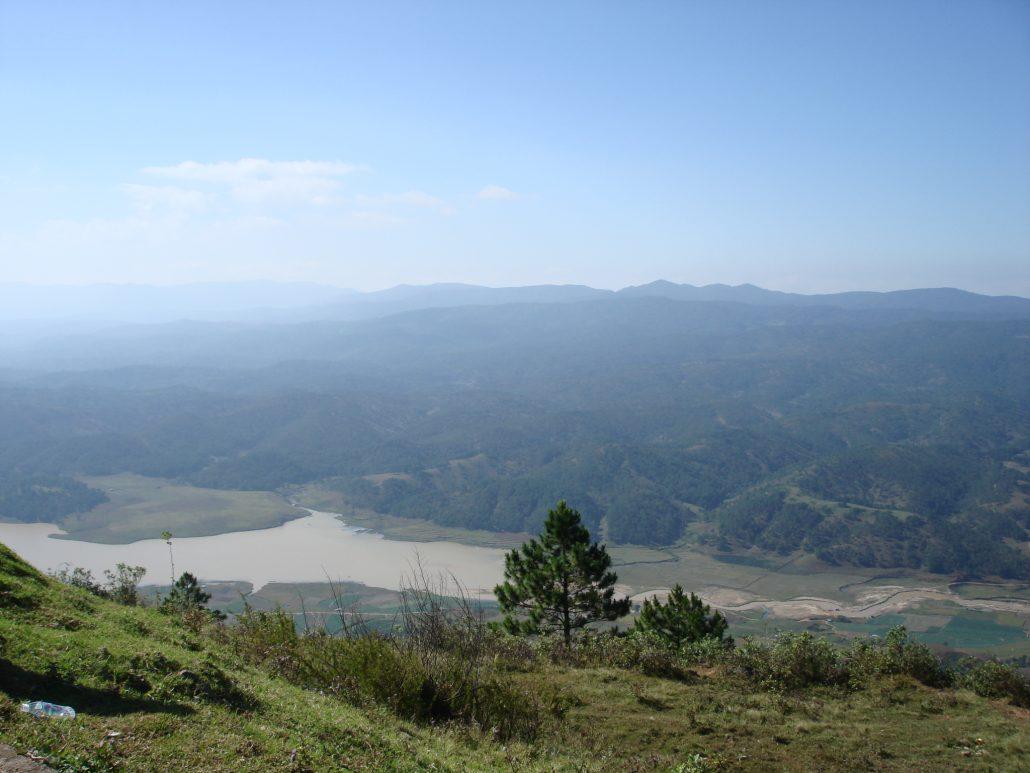 Dãy Lang Biang là điểm du lịch khám phá thú vị.Dãy Lang Biang là điểm du lịch khám phá thú vị.