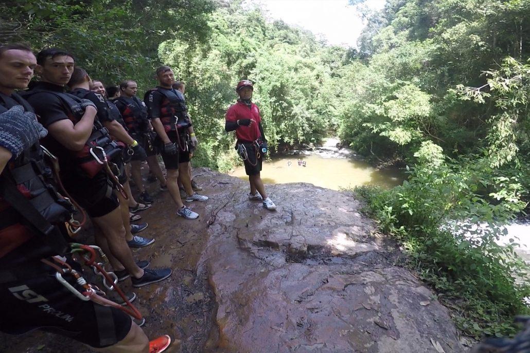 Bạn sẽ được chơi các trò mạo hiểm tại thác Datala.