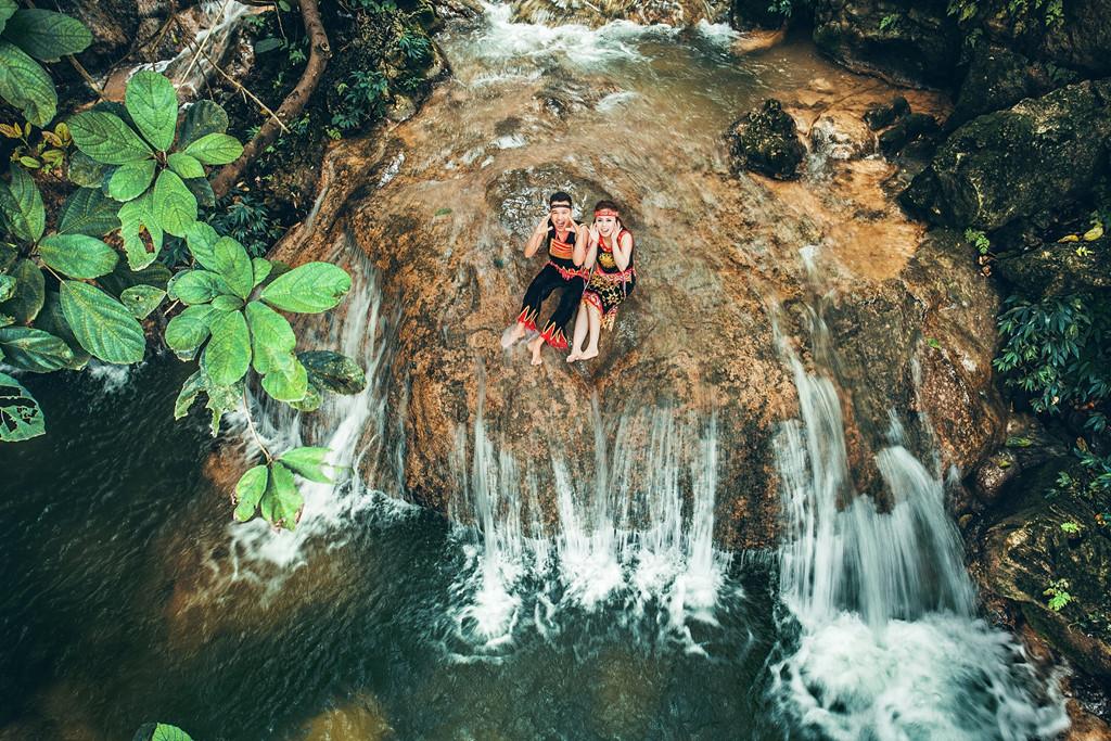 Dòng suối ở thác Voi.