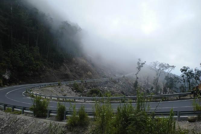 Đường đi về Đà Lạt sẽ có khá nhiều sương mù
