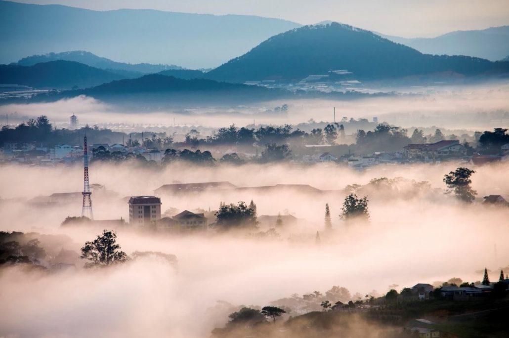 Săn mây ở đỉnh Hòn Bồ