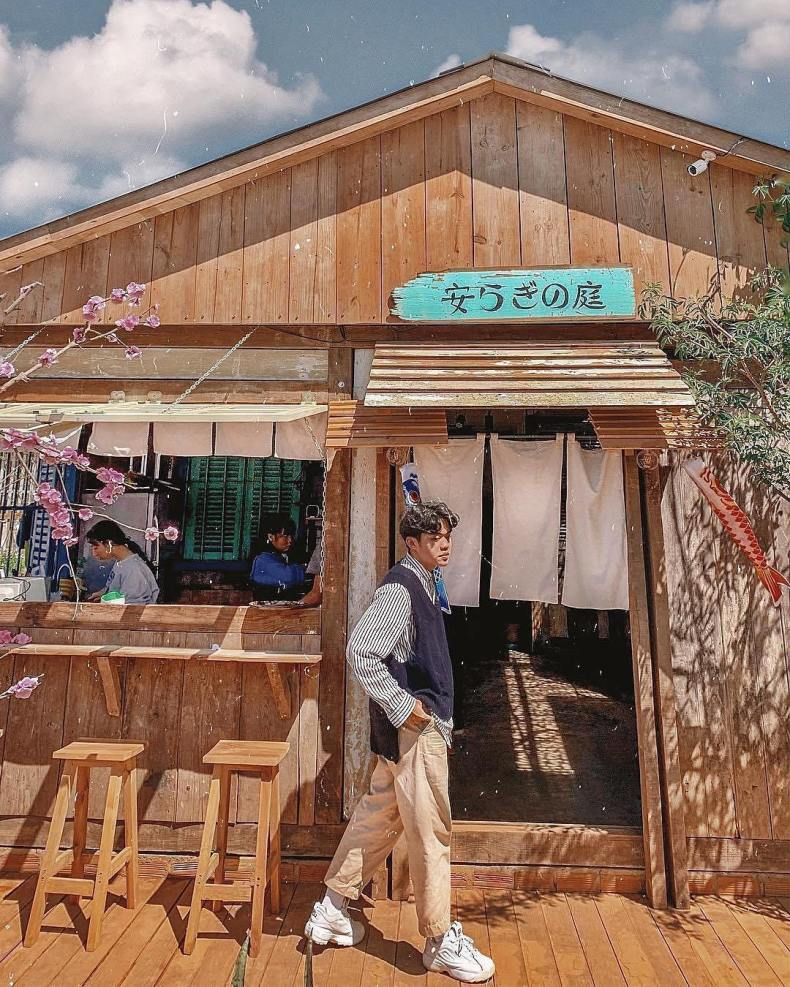 Quán cà phê vườn yên được thiết kế, trang trí mang đậm phong cách Nhật Bản