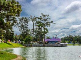 Khung cảnh hồ Xuân Hương thơ mộng, trong lành