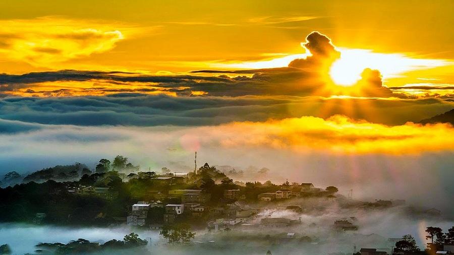 Đỉnh LangBiang là địa điểm ngắm hoàng hôn đẹp